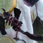 Sorbete de Limòn, Jengibre y Albahaca Violeta