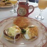 The eggs Benedict with my new coffee mug!