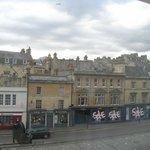 Estas son las vistas, hay está el Pub Sarracen, el más antiguo. Muy cercano al centro.