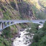 friendship bridge between tibet and Nepal