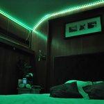 Chambre supérieure avec led vert de déco