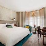 Executive Suite-Bedroom