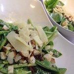 Delicioso crisp Caesar Salad