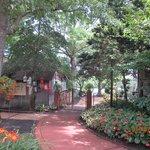 Gardens & Lake at Smithville Inn