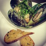 Green lipped mussels and scallops