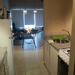 Pequena cozinha e sala