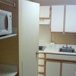 room microwave & kitchenette