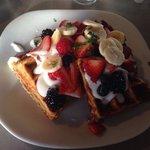 Oatmeal waffles with berries and yogurt