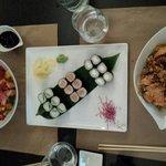 Bo bun japonais, maki j2 et nouilles sautées au saumon.