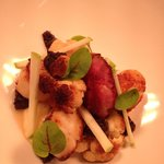 Seared scallops, smoked ham hock, molecular, cauliflower, fresh apple