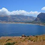 Vista dalle pendici del Monte Cofano