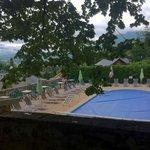 La piscine, petite mais bien située au calme