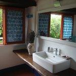 il nuovo bagno della camera riccio al piano terra