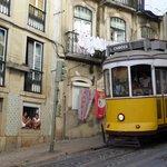 le tram devant la porte !