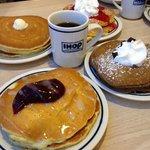 massive pancakes !
