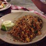 Pad thaï (noodles)