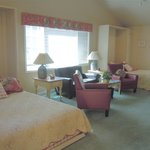 Jubilee Suite 2 queen beds and a full kitchen with large private deck