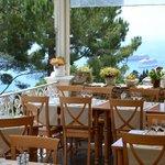La terrasse du restaurant avec vue mer