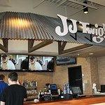 JJ Twigs Pizza & BBQ