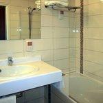 Il bagno non è recentissimo: dal WC emana odore di fognatura