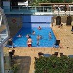 piscine et au-dessus jacuzzi