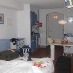 O quarto/sala de estar/cozinha
