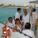 con amigos navegando