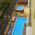 Las piscinas desde la planta 9
