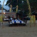 restaurant en la playa a metros del hotel