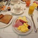 朝食♪チーズが美味しかったです。