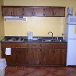 2 bedroom cabin kitchenette