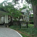 Black Walnut Bed and Breakfast Inn