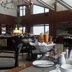 top floor breaksfast and appetizers included in Sofitel Club