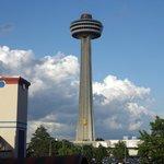Skylon across from Brst Western Niagara Fallsview