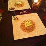 Risotto con lamponi , spumante e foglie d'oro zecchino 24 carati .. Che dire!! Favoloso .