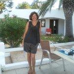 La Signora Maria, proprietaria dell'Hostal, sulla terrazza
