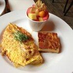 Holder - omelette with potato latke