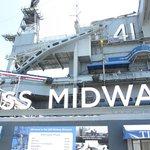 Le porte-avion USS Midway