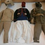 uniformes de soldats indochinois,congolais et australiens