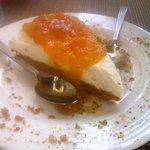cheesecake au mascarpone, confiture de pèche.