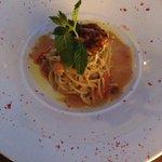 Spaghetti ai ricci di mare e bianchetti