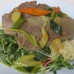 Kornmesser: Tafelspitz mit Spinat und Gemüse