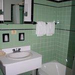 Standard Double & Family Room Bath