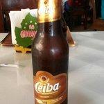 Cerveza de malta y y catena. Hay clara y oscura. Totalmente recomendable.