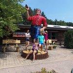 Statue pf Paul Bunyan