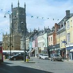 Cirencester market place and Parish Church