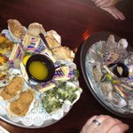 Sampler platter oysters and raw oysters.