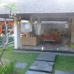 Le salon extérieur