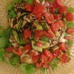 Tagliata di pollo con verdurine.