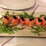 Involtino di salmone con ripieno di insalata russa